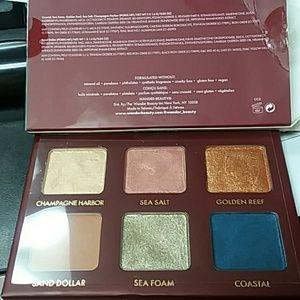 Makeup - Wonderess seascape eye shadow palette